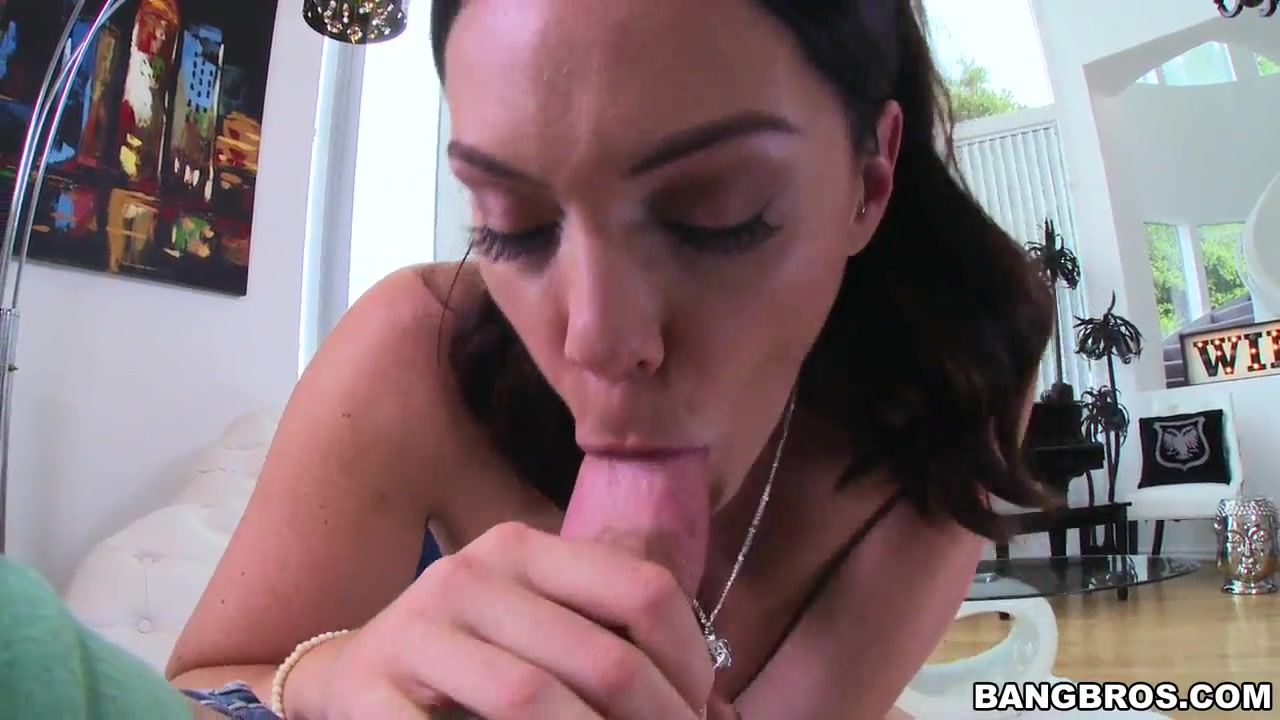 Casadasbrasileirinhas latina peituda gostosa dando para seu amigo