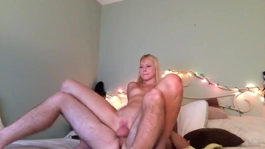 Gostosas anal namorada loira magra cavalgando na jeba grande