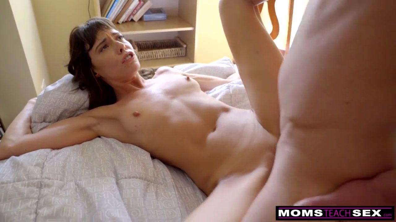 Redtubbe esposa bonita dando de quatro para seu marido em um belo porno amdor