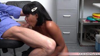 Sexo irmã negra magrinha safada dando para seu amigo