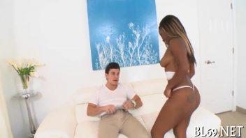 Vídeos pornográficos negra rabuda tarada sentando na picona grande